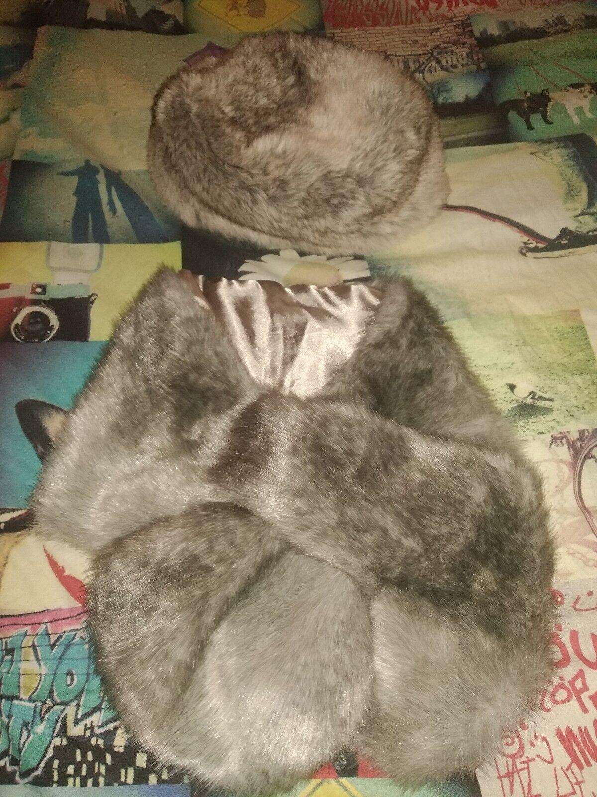TOPSHOP beige-Grey Fur Hat Used, with unused scarf Primark