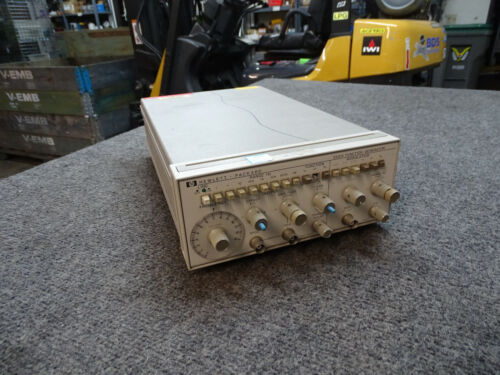 Hp Agilent 3312A Function Generator 0.1hz-13Mhz for repair // parts only