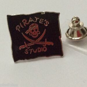 Pin-039-s-Folies-Badge-Demons-et-Merveilles-Cinema-Movie-Pirate-studio