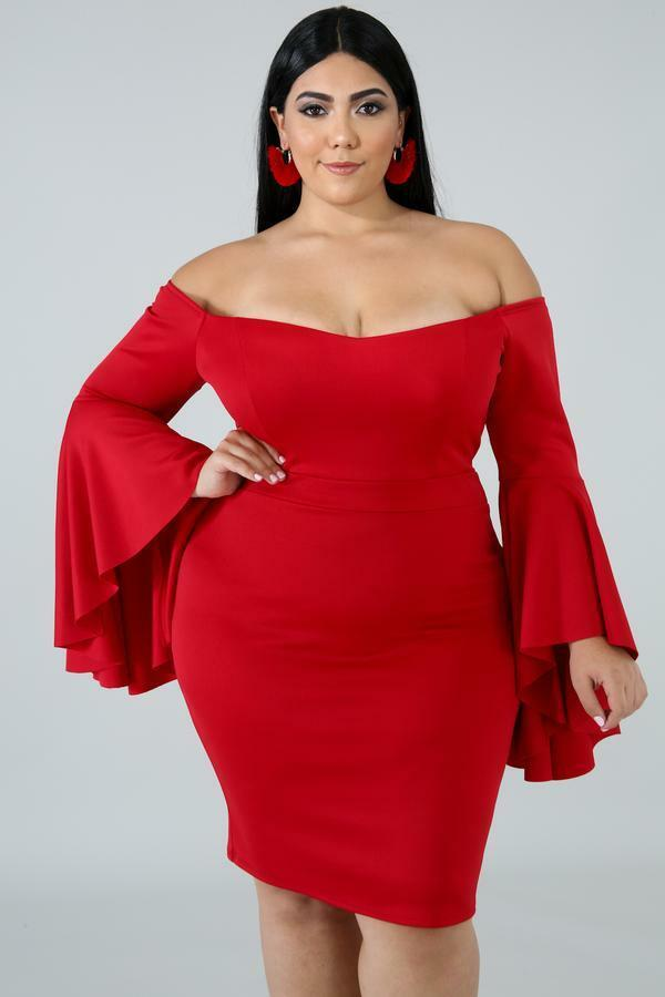 Women Plus Size Red Stretchy Off Shoulder Flair Sleeves Dress. Size 2XL .