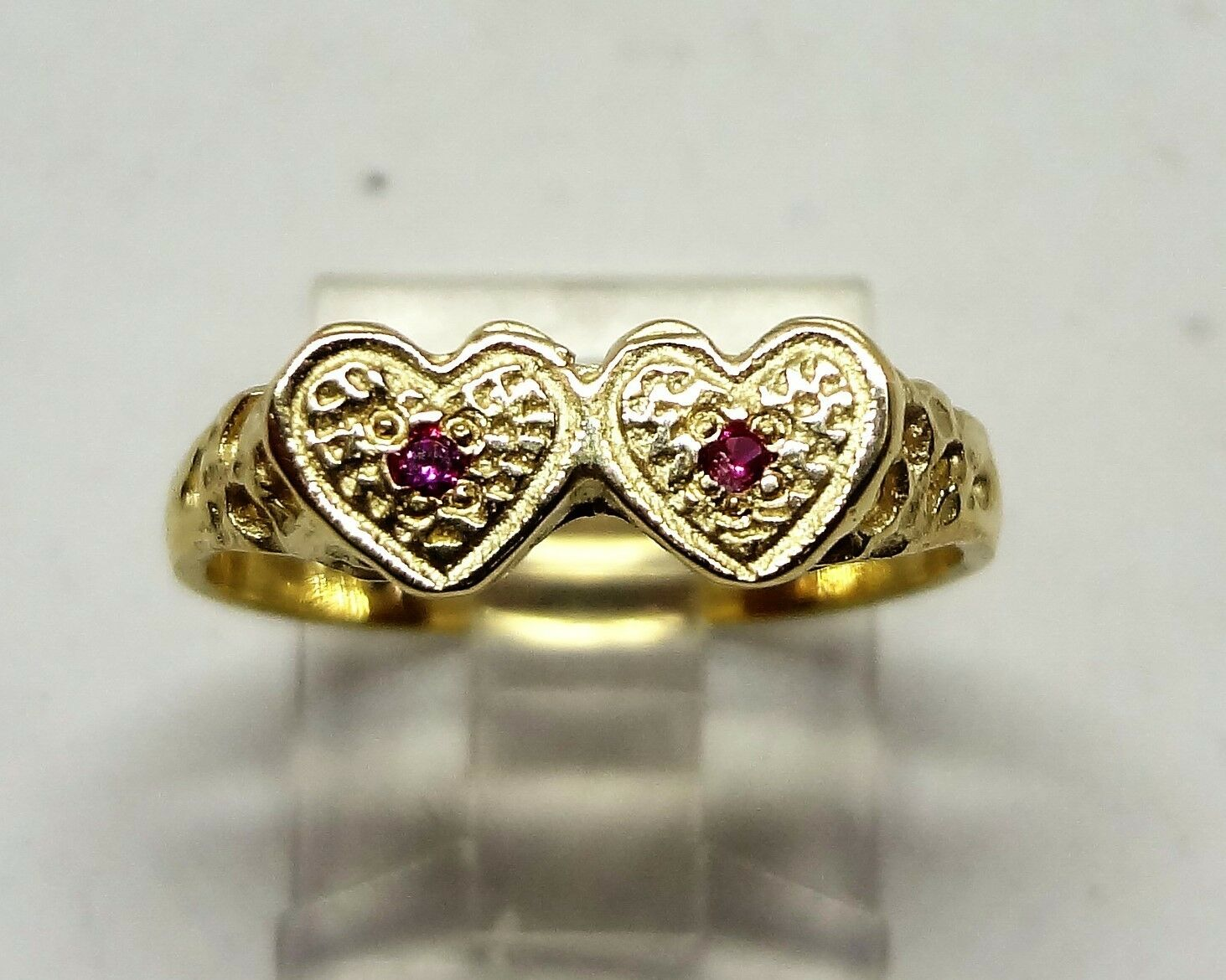 14k yellow gold two heart ring