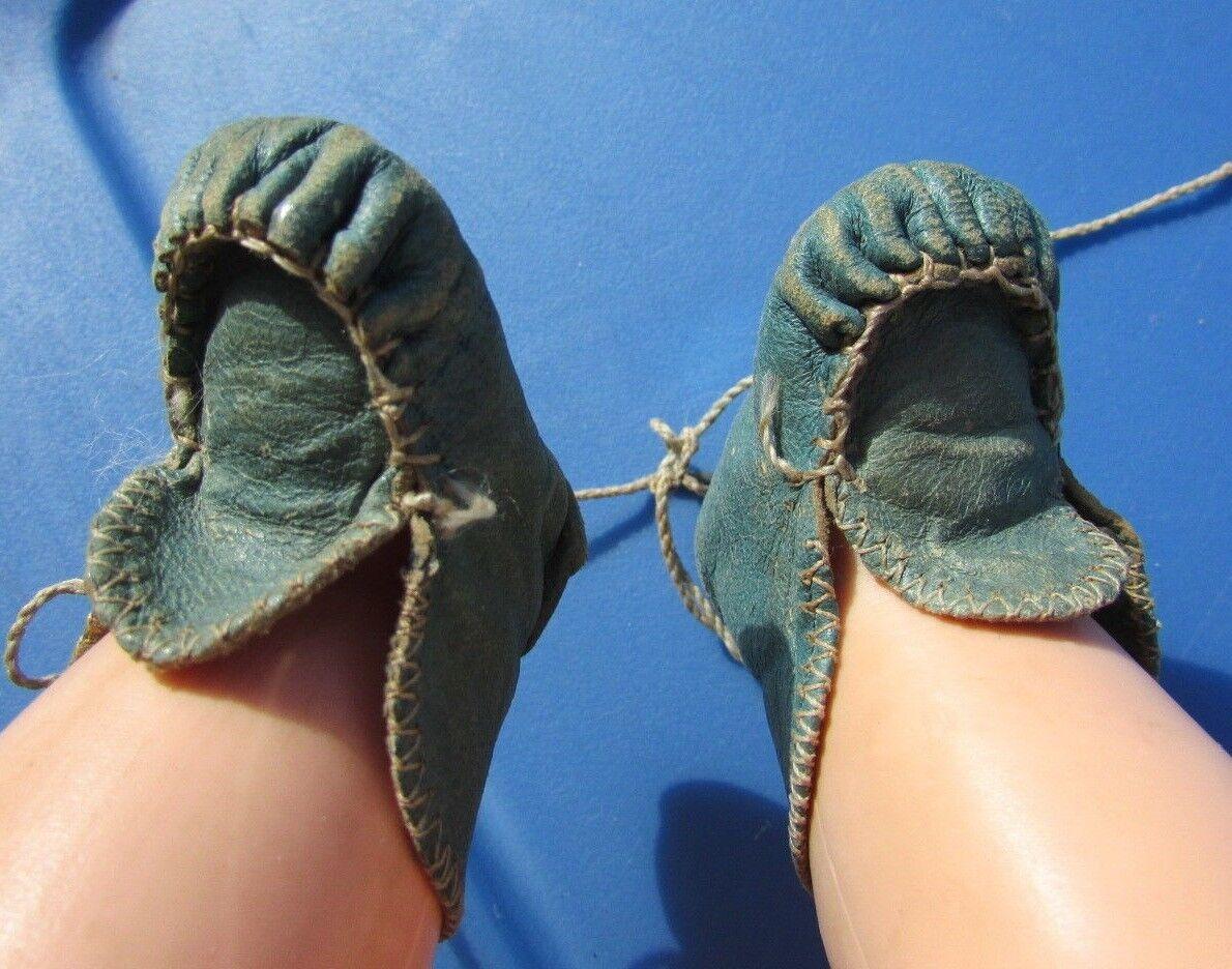 Antigua Muñeca Bebé Zapatos Cuero azul verde Victoriano lazos de seda impresionante temprano