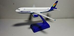 FLIGHT MINATURE MODELS AIRTOURS A320 1:200 SCALE PLASTIC SNAPFIT MODEL