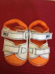 Dettagli su Prenatal Sandali per bambino Misura Neonato bianchi con rifiniture blu ..