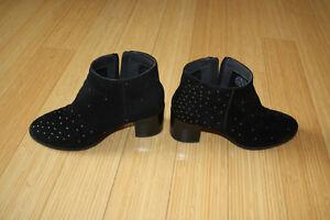 Camper-Twins-Booties-Stiefel-schwarz-Wildleder-Metallic-Verzierung-Block-Heels-38