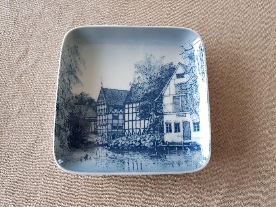 Porcelæn, Lille fad/askebæger Den Gamle by 9530 455, B&G