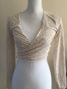 brandy-melville-cream-pink-floral-v-neck-Self-Tie-cotton-coco-wrap-top-NWT-S-M
