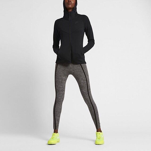 815f4762b Womens XS X Small NSW Nike Sportswear Tech Fleece Hoodie Jacket Black 842845