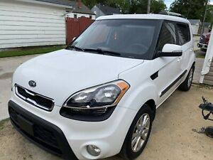 """private sale"" 2012 Kia Soul - safetied - low kms"
