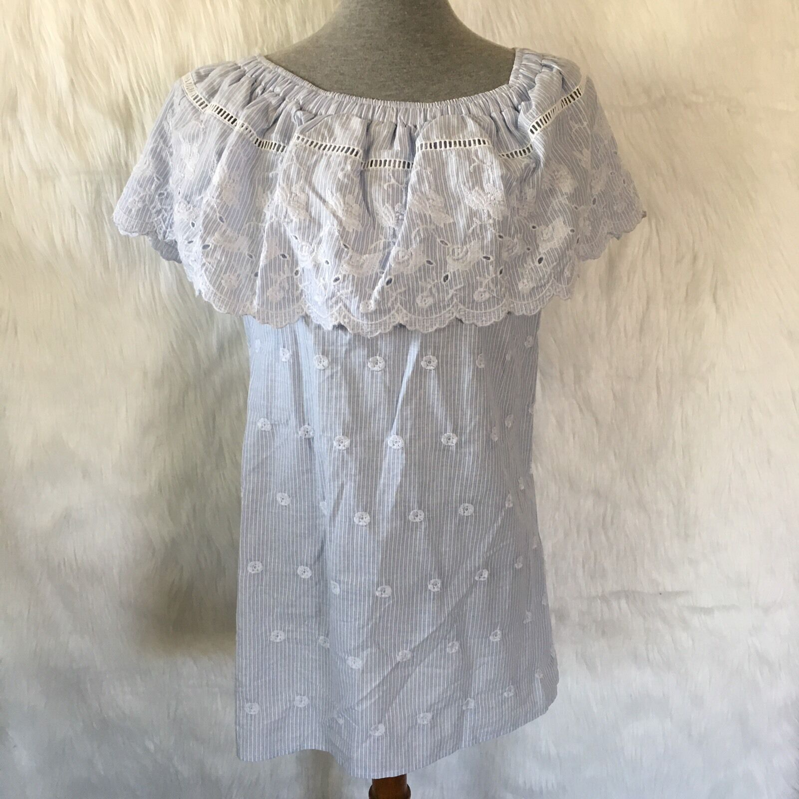 Romeo + Juliet Couture Small Medium Stripe Off Shoulder Tunic Embroiderot Floral