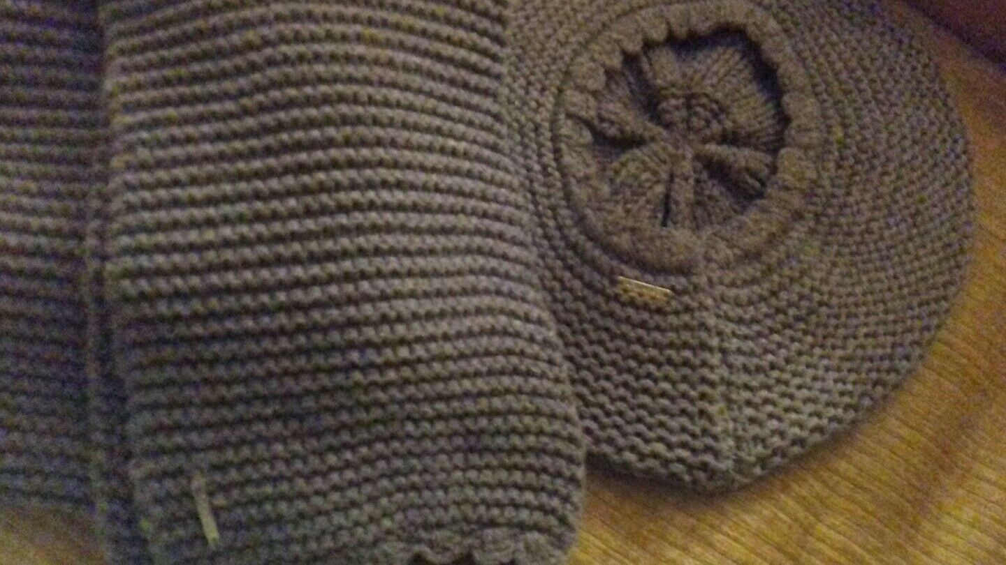 CK - Grey Knitted Hat & Scarf