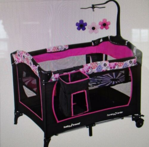 Baby Trend Nursery Center/ Pack - n- Play/ Bassinet - Floral Garden NEW