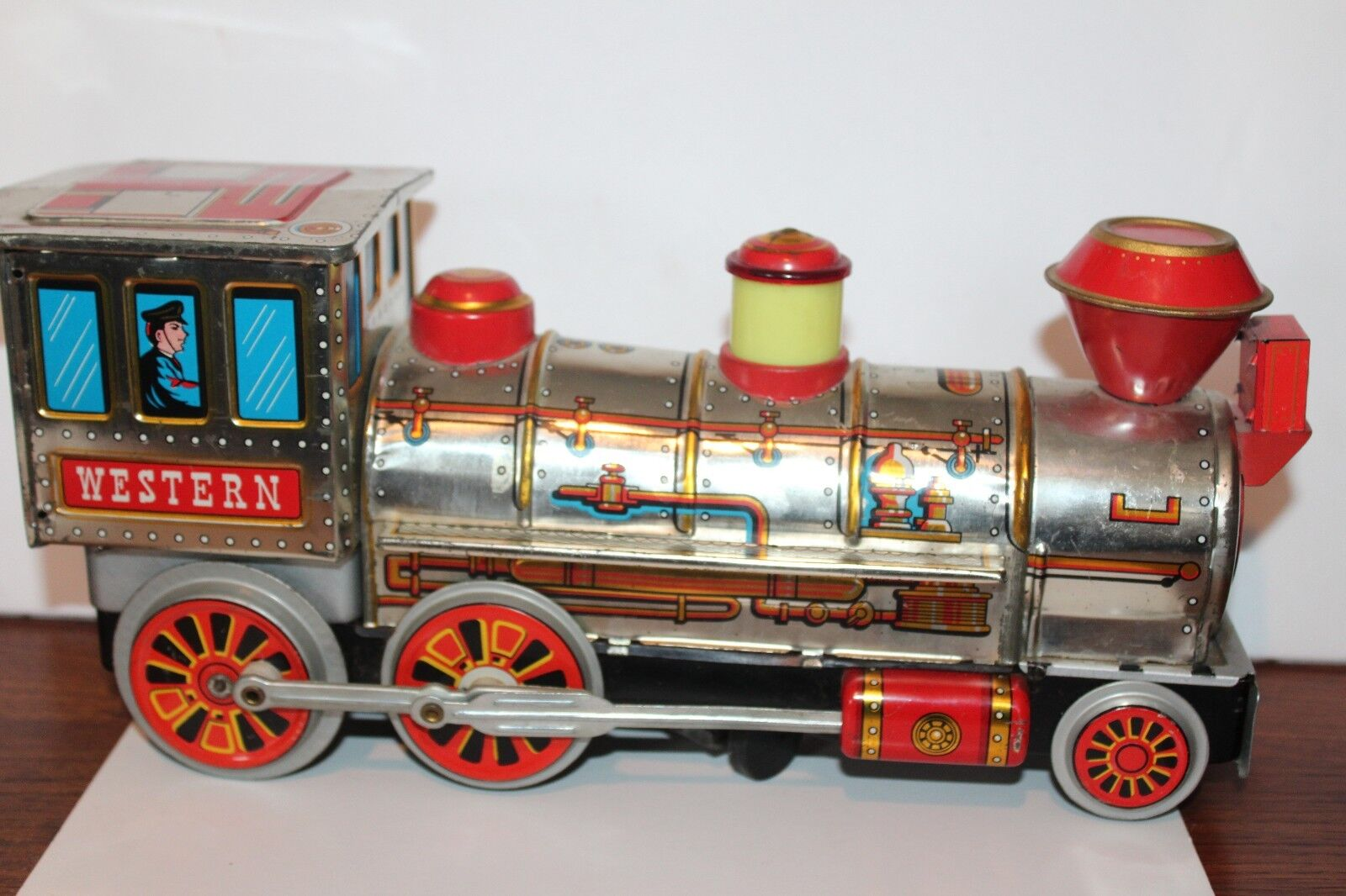 NICE  MODERN TOYS BATTERY OPERATED MYSTERY ACTION WESTERN LOCOMOTIVE