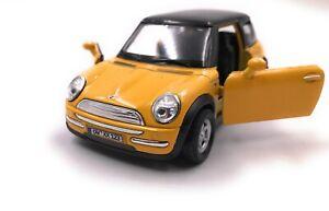 Mini-Cooper-Modellino-Auto-con-Richiesta-Caratteristiche-Giallo-Scala-1-3-4-39