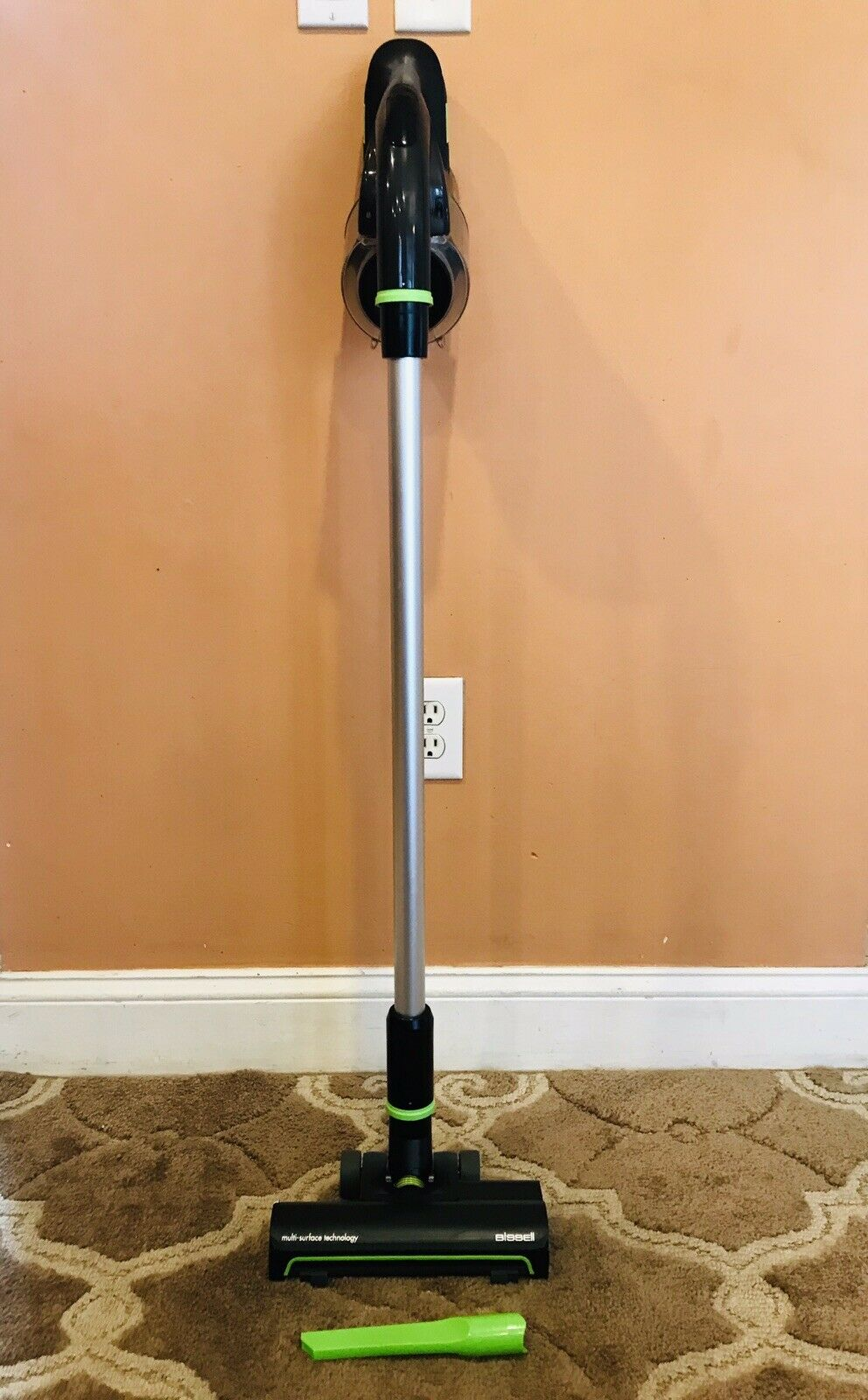 Bissell Multireach Rechargeable Cordless Bagless Vacuum Cleaner   Model 2151A