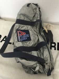 Vtg-American-Airlines-Duffle-Bag-by-BEARSE-Manufacturing-Metallic-Patch-Logo