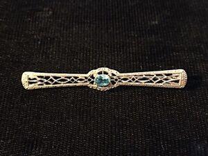 10PercentOff3DaySale Vintage 14k yellow gold blue stone filigree pin baer