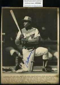Hank-Aaron-Psa-Dna-Coa-Autograph-8x10-1974-Wire-Photo-Hand-Signed-Authentic