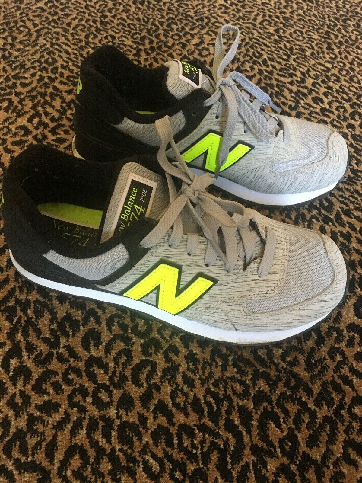 Womens New Balance Sneakers Excellent Condition Size 7.5  7 1 2