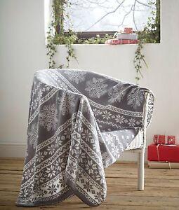 Fleece-Blanket-Alpine-Grey-Nordic-Christmas-Snowflake-Theme-Single-Throw-White