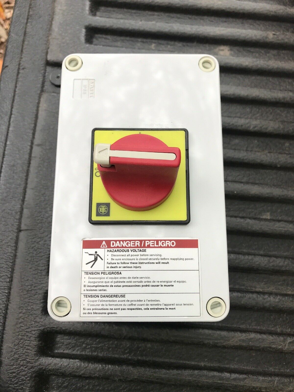SAFETY SWITCH NEW #131740 TELEMECANIQUE XPSAV11113P   EMERGENCY STOP MODULE