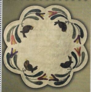 PATTERN-Birds-of-A-Feather-Table-Mat-wool-applique-PATTERN