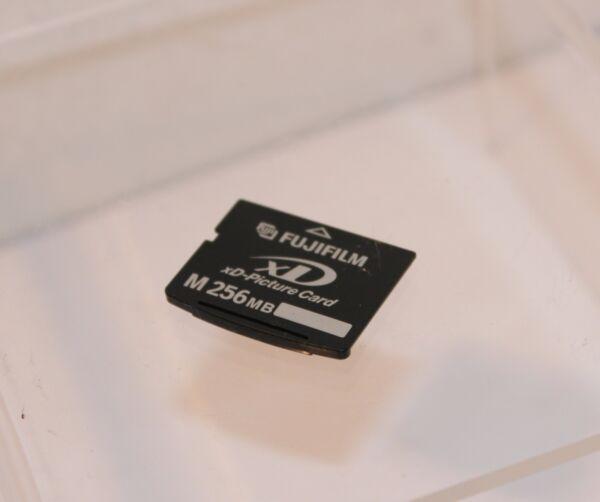 Alerte Fujifilm M 256 Mo Xd Carte... Testé Et De Travail Belle En Couleur