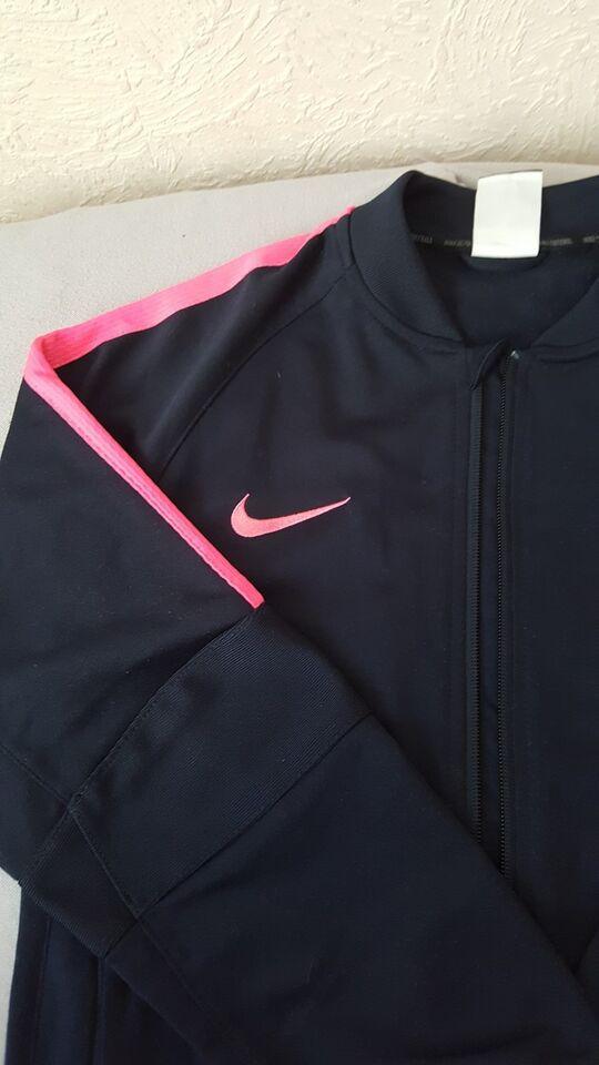 Jakke, Nike fcb Qatar airways, str. 147 /158
