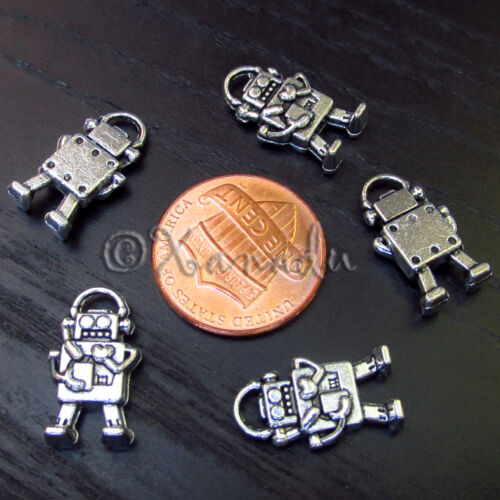 C3548 10PCs Robot With Heart Wholesale Silver Plated Pendant Charms