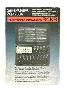Sharp ZQ-1250A Avec Petit Défaut / Electronic Organizer / Agenda Electronique