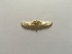 USMC-RECON-PARACHUTIST-GOLD-HAT-PIN-MEASURES-1-AND-1-4-INCHES