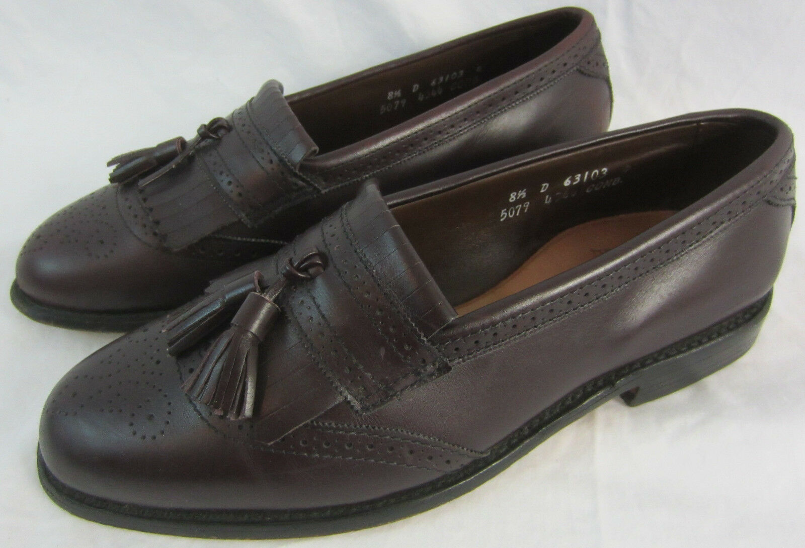 Allen Edmonds  Bridgeton  Burgundy Tassel Loafers Men's shoes 8.5D - Made in USA