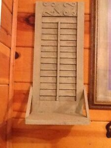 Solid wood sage green ladder wall shelf pair vintage for Home interiors gifts inc company information
