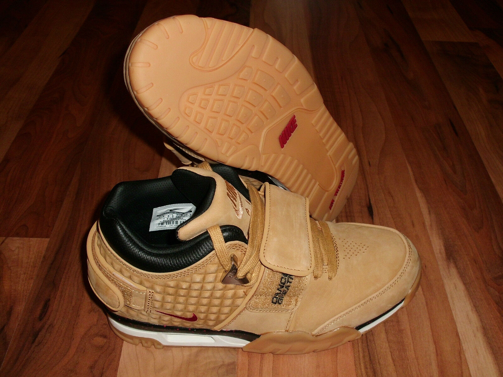 Nike Air Trainer Victor Cruz PRM HAYSTACK WHEAT/RED/BLCK SZ US 7.5, 8,12