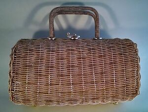 Gold-Vintage-Twisted-Wire-Metal-Purse-Made-In-Hong-Kong-Beautiful-interior-VTG