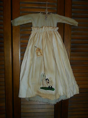 Primitive Wall Decor Dress LT GREEN CHECK W/ APRON Sheep, Willow, Grungy,Country