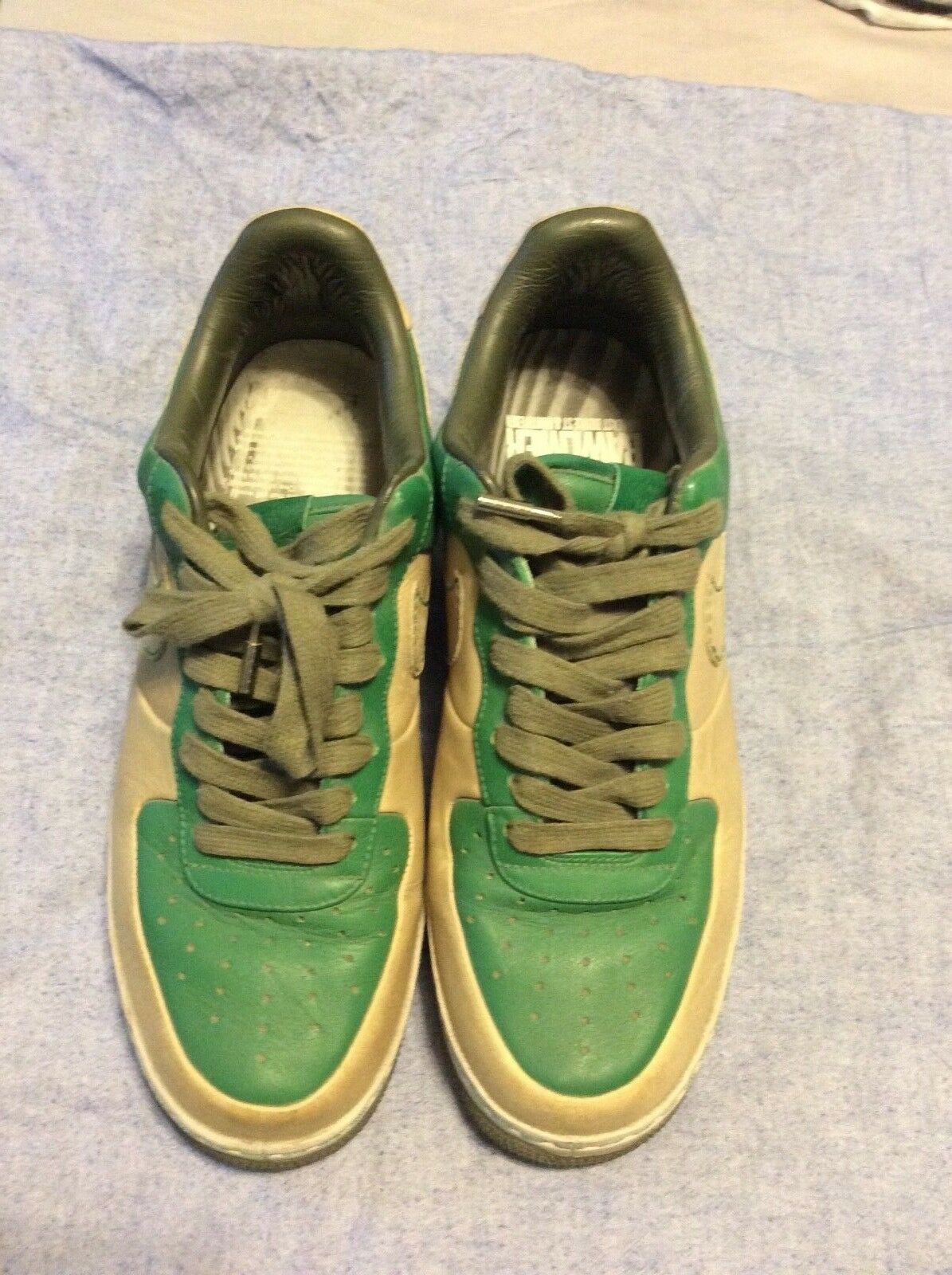 Nike Sneakers Limited Edition Green & Beige Leather Size 9. PREOWNED