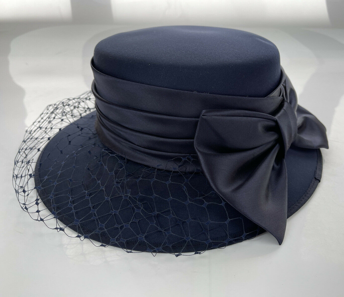 First Avenue Classics Ladies Day Funeral Weddng Event Hat Bow Netting