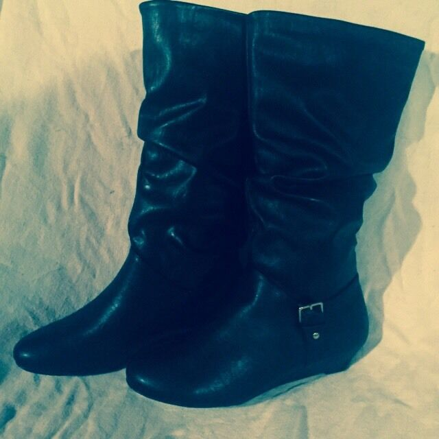 Womens Boots 8M Black Wedge Heel Slouched Pull On New Vegan