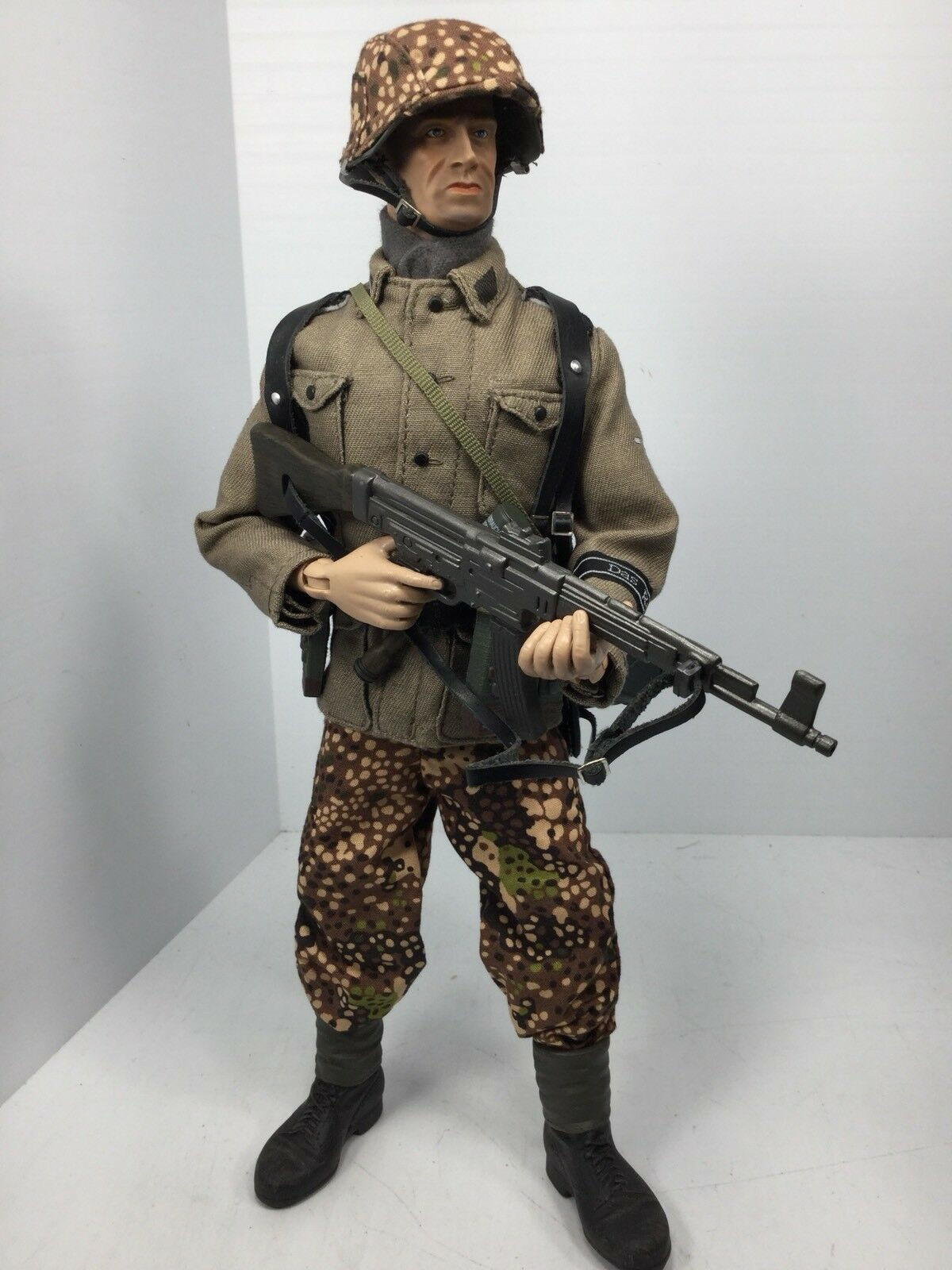 1/6 COTSWOLD GERMAN 2ND SS DIVISION GRENADIER MP-44 WW2 DRAGON BBI