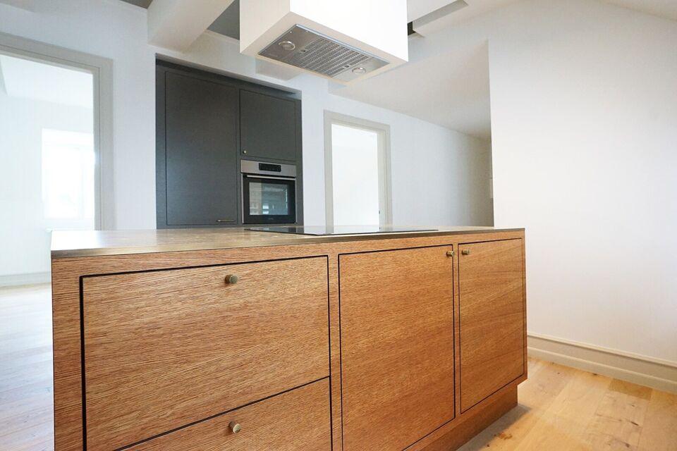 1820 vær. 5 lejlighed, m2 131, Frederiksberg Alle