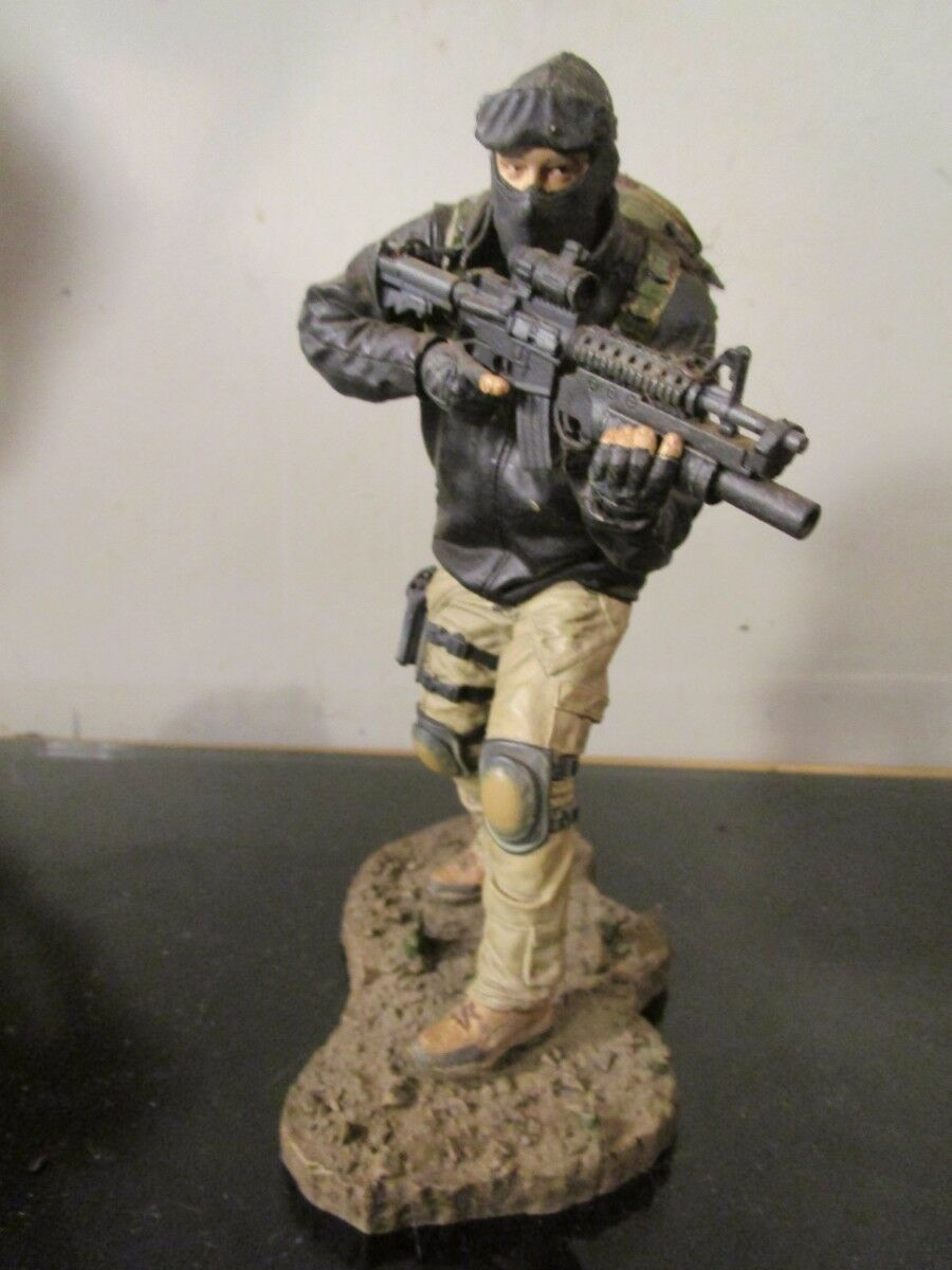 Mcfarlane Military Series 5 Army Special Forces Operator Variant figure loose