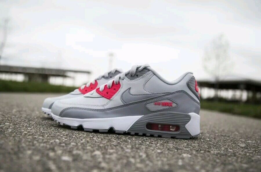 NIKE AIR MAX 90 LEATHER GS WOMEN NEW With BOX!!!
