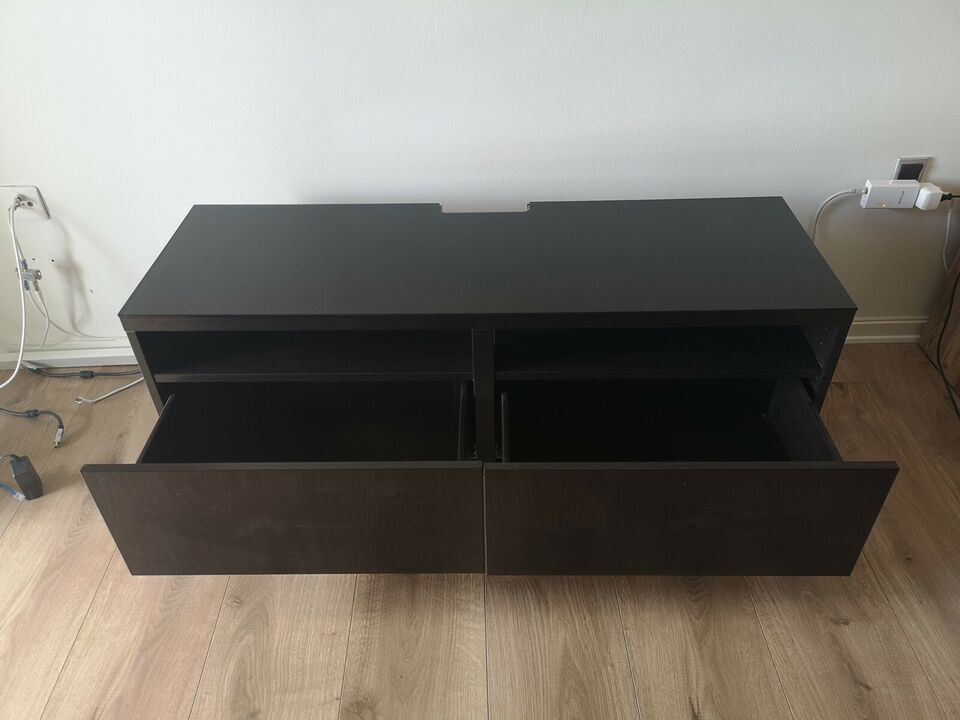 Tv bord, IKEA, b: 41 l: 120 h: 50