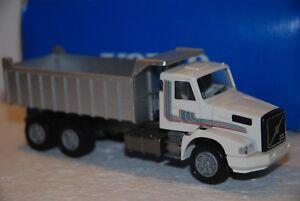 1-50-Conrad-Camion-Volvo-NL12-Turbo-Dumper