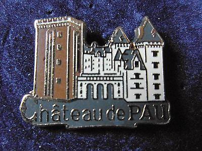 signé Martineau Pin/'s Chateau de Saumur