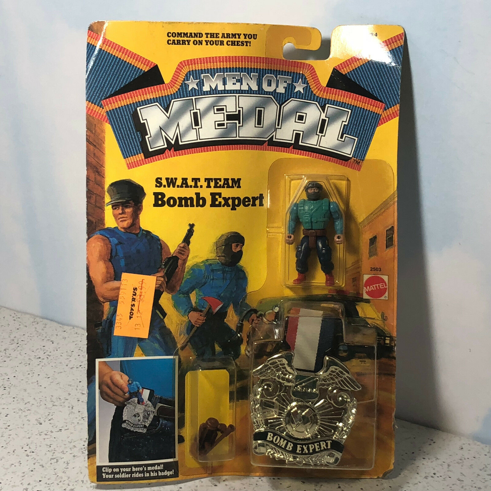 1988 MATTEL MEN OF MEDAL MOC ACTION FIGURE BADGE CLIP ON SWAT TEAM BOMB EXPERT