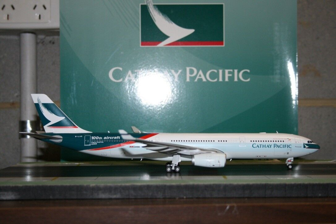 JC Wings 1 200 Cathay Pacific Airbus A330-300 B-LAD (XX2963) Model Plane