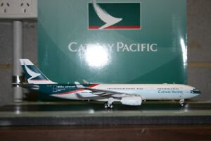 JC-Wings-1-200-Cathay-Pacific-Airbus-A330-300-B-LAD-XX2963-Model-Plane