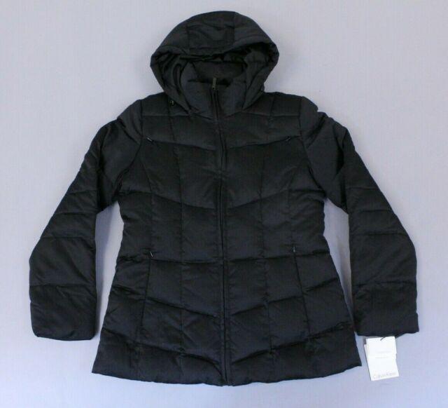 Stoic Cropped Faux Fur Hooded Puffer Jacket Women's